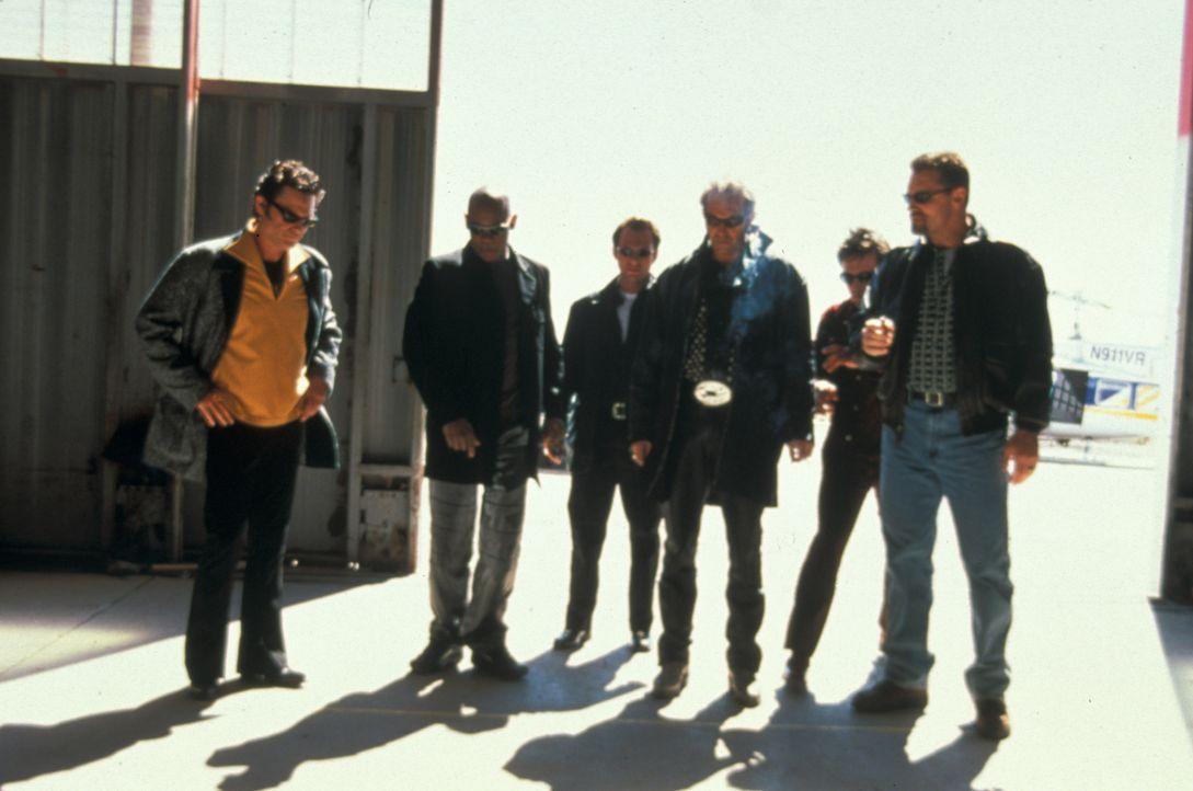 Wollen 3,2 Millionen Dollar rauben: (v.l.n.r.) Michael (Kurt Russell), Franklin (Bokeem Woodbine), Hanson (Christian Slater), Murphy (Kevin Costner)... - Bildquelle: Francise Pictures