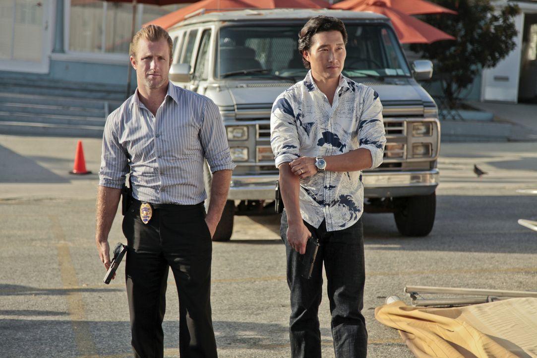 Arbeiten mit dem NCIS: L.A. Team in einem neuen Fall zusammen: Chin (Daniel Dae Kim, r.) und Danny (Scott Caan, l.) ... - Bildquelle: CBS Studios Inc. All Rights Reserved.