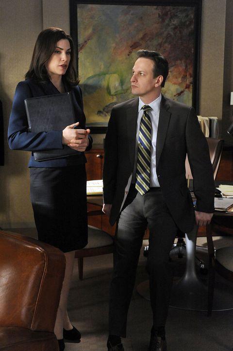 Will Gardner (Josh Charles, r.) gratuliert Alicia Florrick (Julianna Margulies, l.) zu Peters Erfolg bei den Wahlen. Er ahnt nicht, dass sich die be... - Bildquelle: CBS   2011 CBS Broadcasting Inc. All Rights Reserved.