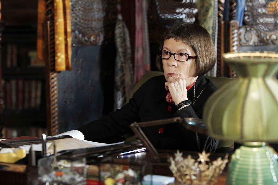 Hat eine besondere Überraschung für ihr Team: Hetty (Linda Hunt) ... - Bildquelle: CBS Studios Inc. All Rights Reserved.