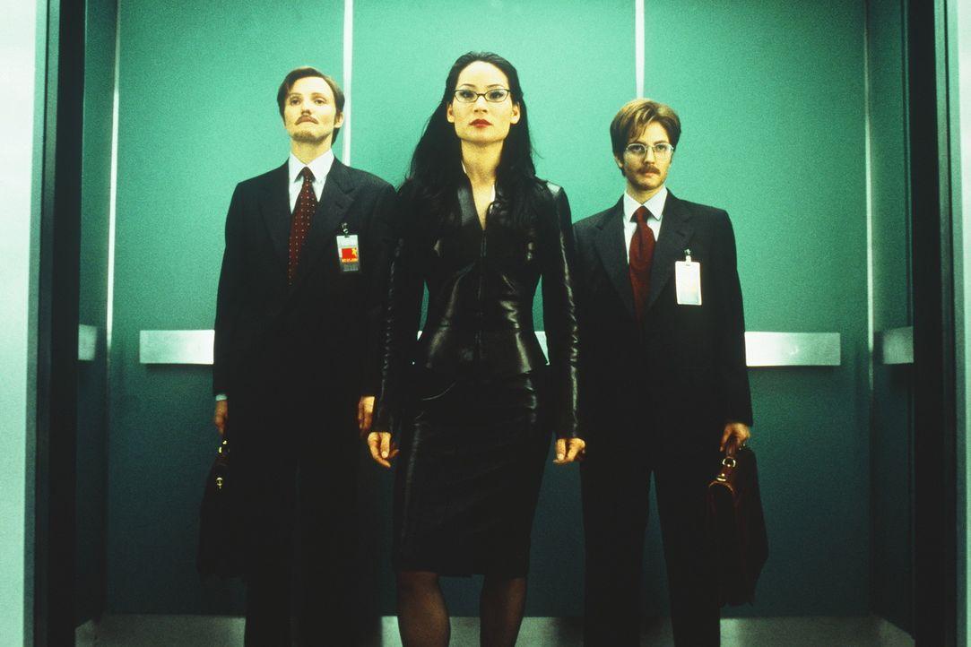 Drei Engel schreiten zur Tat: Natalie (Cameron Diaz, l.), Alex (Lucy Liu, M.) und Dylan (Drew Barrymore, r.) ... - Bildquelle: Columbia Pictures