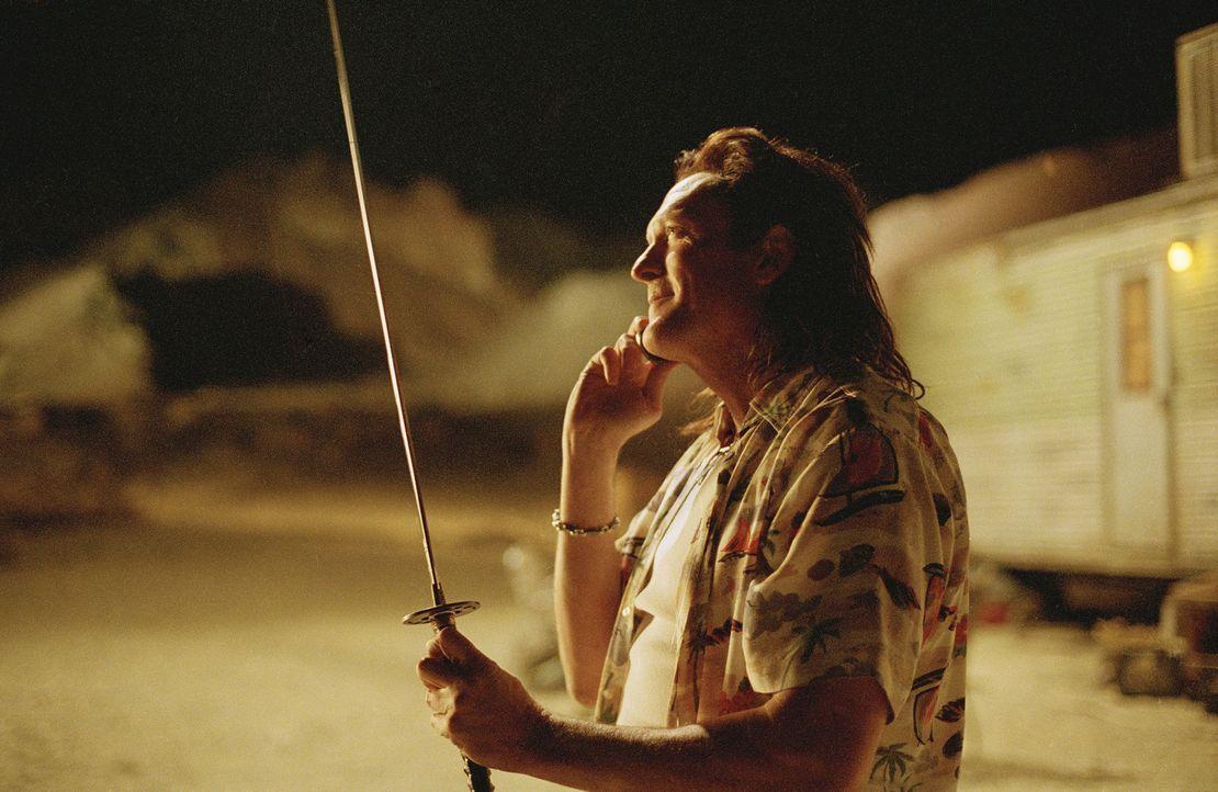 Ist fest davon überzeugt, Kiddo für immer ausgeschaltet zu haben. Damit unterliegt Bud (Michael Madsen) einem fatalen Irrtum ... - Bildquelle: Miramax Films. All rights reserved