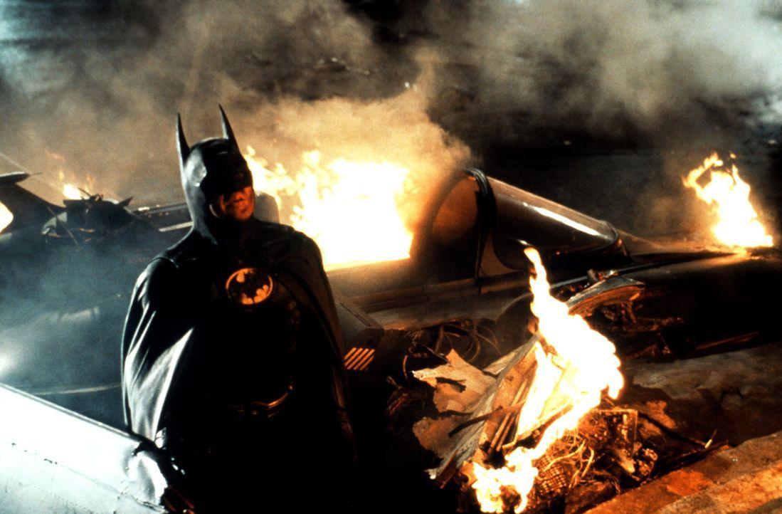 Als der psychopathische Joker zum clownhaften Verbrecherkönig von Gotham City aufsteigt, ist die einzige Hoffnung der Stadt sein dunkler, brütende... - Bildquelle: Warner Bros.