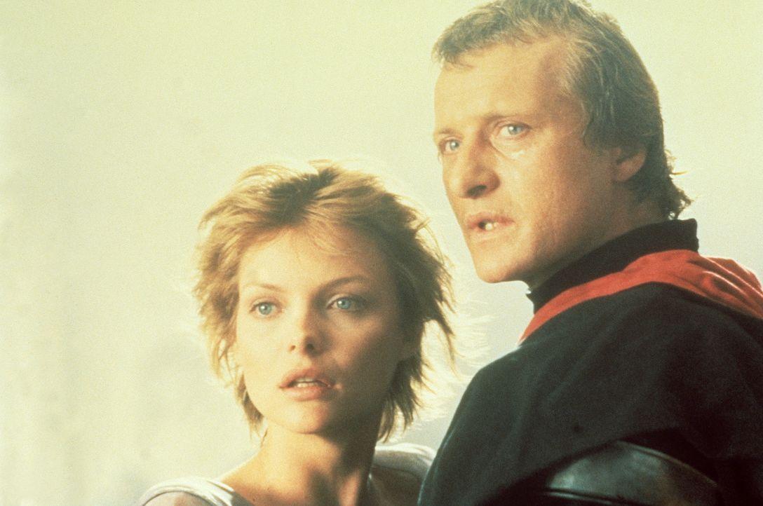 Nur wenige Augenblicke lang, wenn die Sonne auf- und untergeht, sehen sich die beiden Liebenden Navarre (Rutger Hauer, r.) und Isabeau (Michelle Pfe... - Bildquelle: 20TH CENTURY FOX FILM CORP. INC