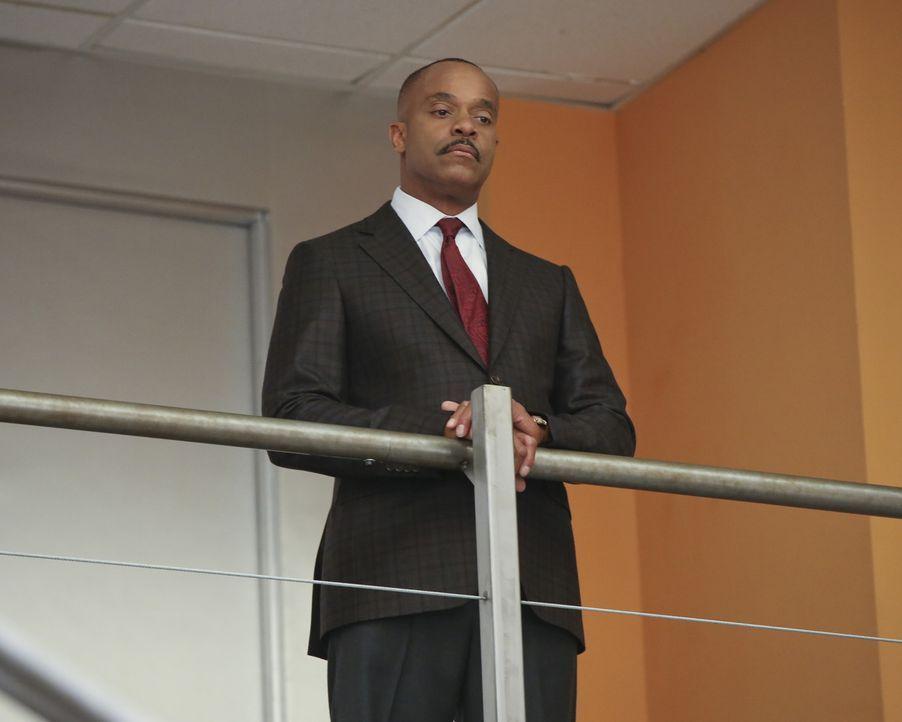 Macht sich Sorgen um das Leben von Gibbs: Vance (Rocky Carroll) ... - Bildquelle: Monty Brinton CBS Television