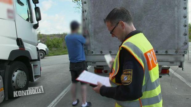 Achtung Kontrolle - Achtung Kontrolle! - Thema U.a.: Lkw-fahrer Führt Verbotene Waffe Mit Sich