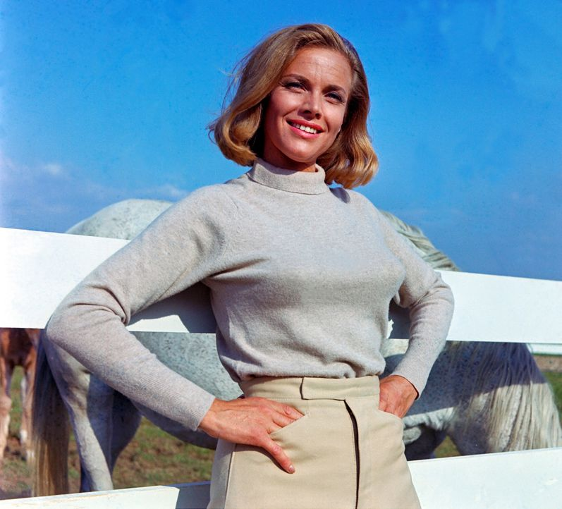 Honor-Blackman-James-Bond-Goldfinger-1964-1-WENN-com - Bildquelle: WENN.com