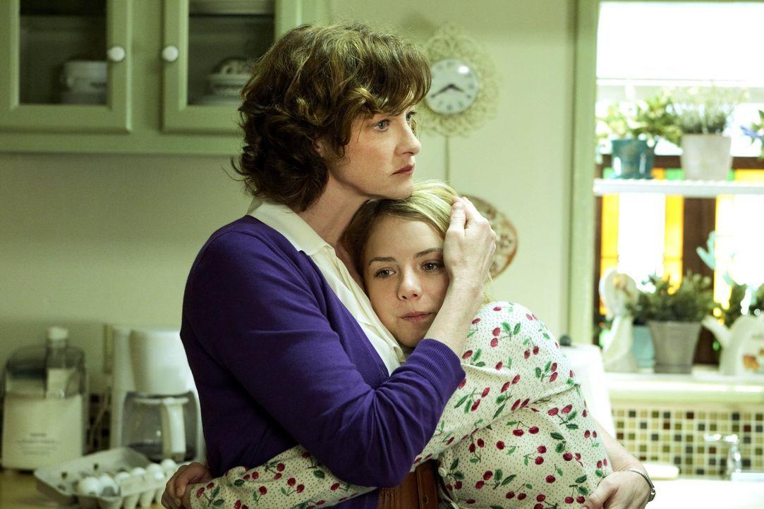 Eine kleine Physik-Stunde mit den Gallagher-Brüdern wird für Karen (Laura Wiggins, r.) und Sheila (Joan Cusack, l.) zum Albtraum ... - Bildquelle: 2010 Warner Brothers