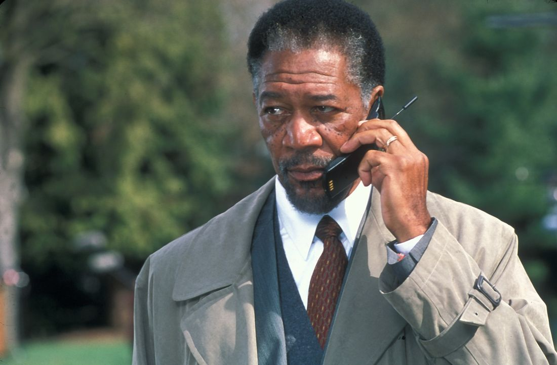 Im Laufe der Ermittlungen erkennt Dr. Alex Cross (Morgan Freeman), dass der Kidnapper ein waghalsiges Spielchen mit ihm treibt. Ein gnadenloses Katz... - Bildquelle: Joseph Lederer 2001 Paramount Pictures
