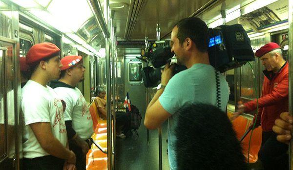 In der New Yorker U-Bahn - Bildquelle: kabel eins