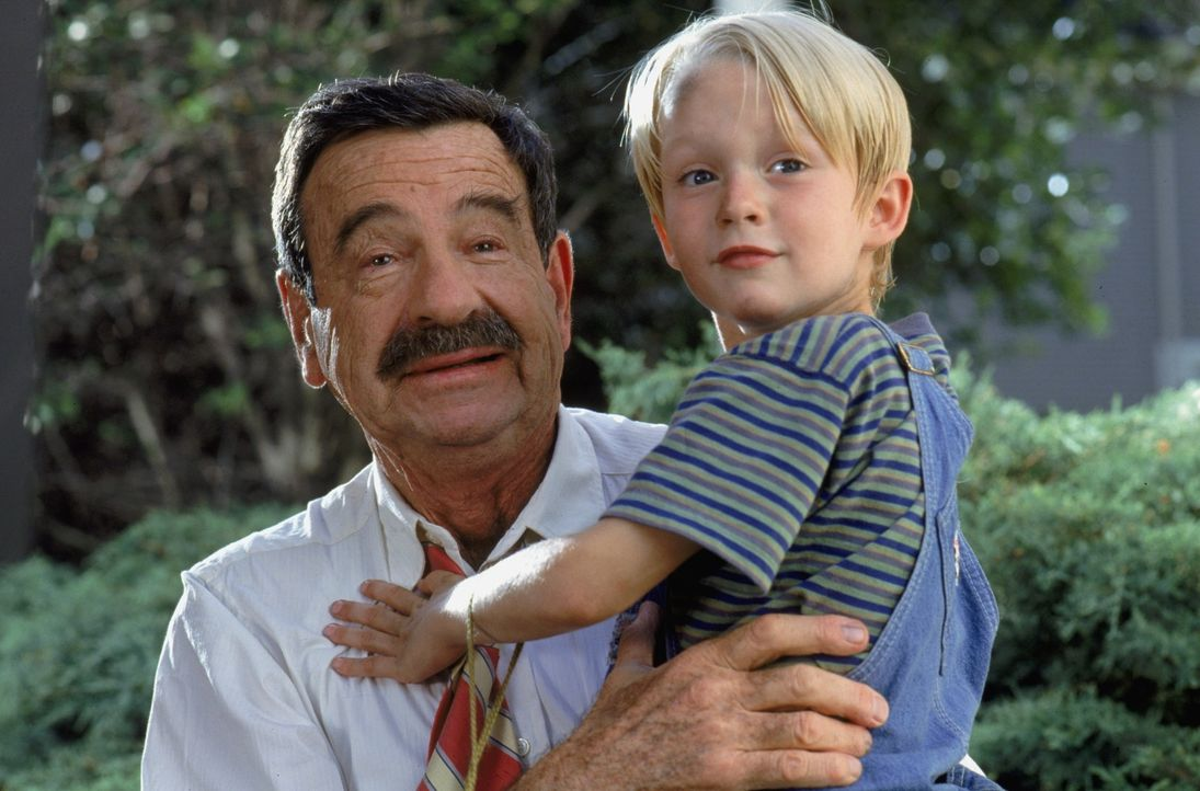 Mr. Wilson (Walter Matthau, l.); Dennis Mitchell (Mason Gamble, r.) - Bildquelle: 1993 Warner Bros. Entertainment Inc. All Rights Reserved.