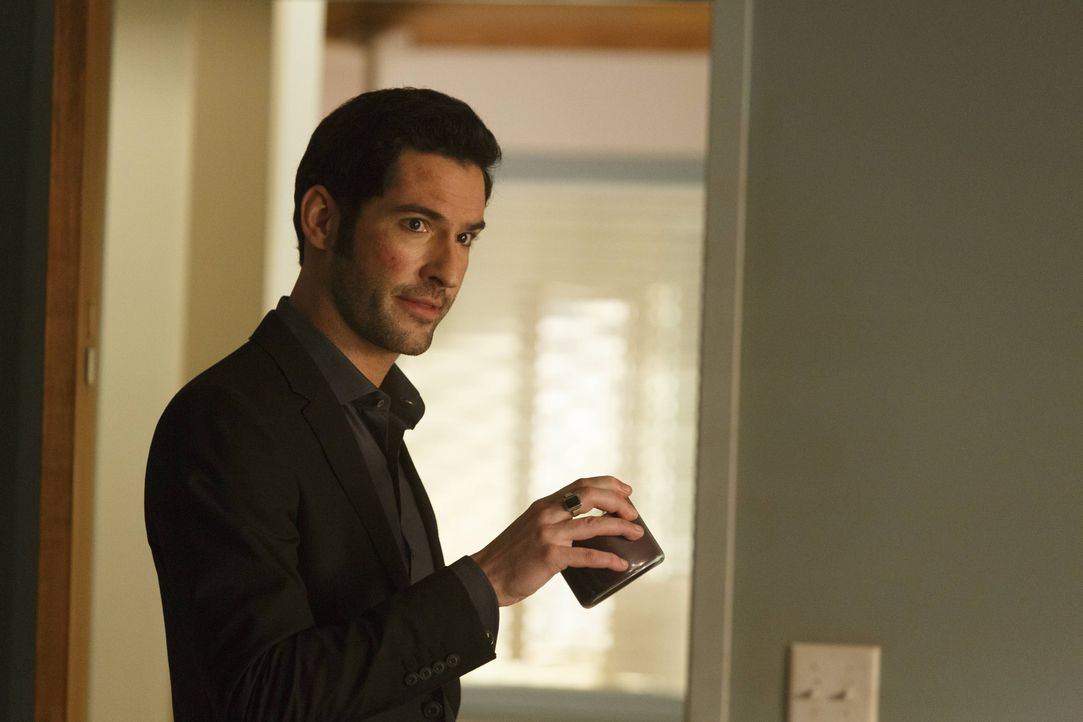 Wird Lucifers (Tom Ellis) Versuch, Chloe zu beschützen, für ihn als ein Rückfahrschein in die Hölle enden? - Bildquelle: 2016 Warner Brothers