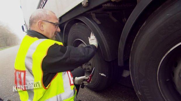 Achtung Kontrolle - Achtung Kontrolle! - Thema U.a.: Reifengefahr - Großkontrolle Göttingen
