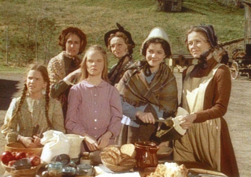Die Frauen des Dorfes haben für reichhaltige und kulinarische Genüsse gesorgt. - Bildquelle: Worldvision