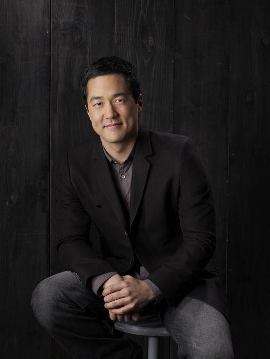 (2. Staffel) - Stets gewillt, komplizierte Mordfälle zu lösen: Kimball Cho (Tim Kang) ... - Bildquelle: Warner Bros. Television