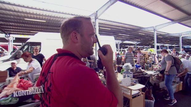 Achtung Kontrolle - Achtung Kontrolle! - Thema U.a.: Verfolgungsjagd Mit Folgen - Flohmarktleiter Phlipp Muss Handeln