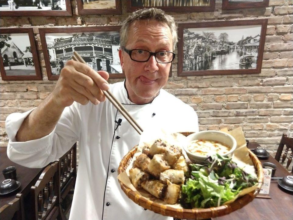 Auf seiner kulinarischen Reise um die Welt macht Dirk Hoffmann auch in Vietnam Halt ... - Bildquelle: Kabel Eins