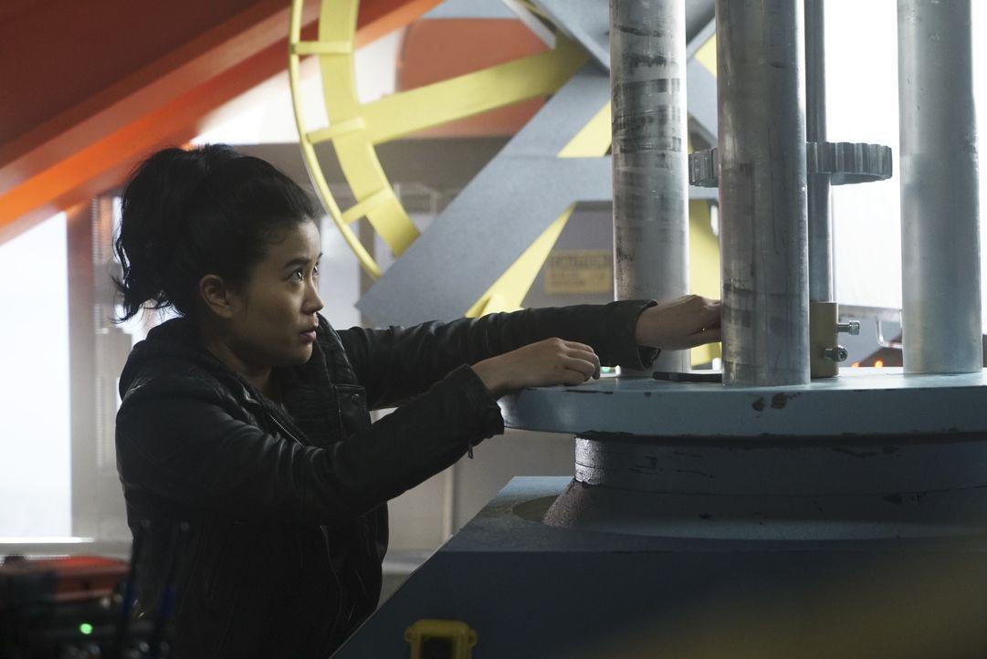 Noch ahnt Happy (Jadyn Wong) nicht, dass ihre einfach erscheinende Mission auf einer Windfarm schon bald gewaltig schiefgehen wird ... - Bildquelle: Monty Brinton 2017 CBS Broadcasting, Inc. All Rights Reserved. / Monty Brinton