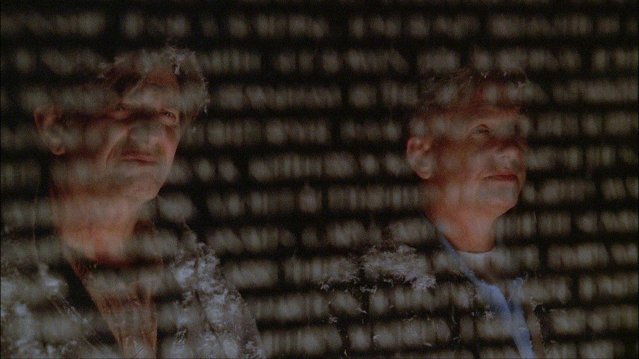 Kurz vor Heilig Abend wird ein älteres Ehepaar in ihrem Haus überfallen und ermordet. Alle Indizien sprechen gegen Ned Quinn (Peter Coyote, l.), doc... - Bildquelle: CBS Television