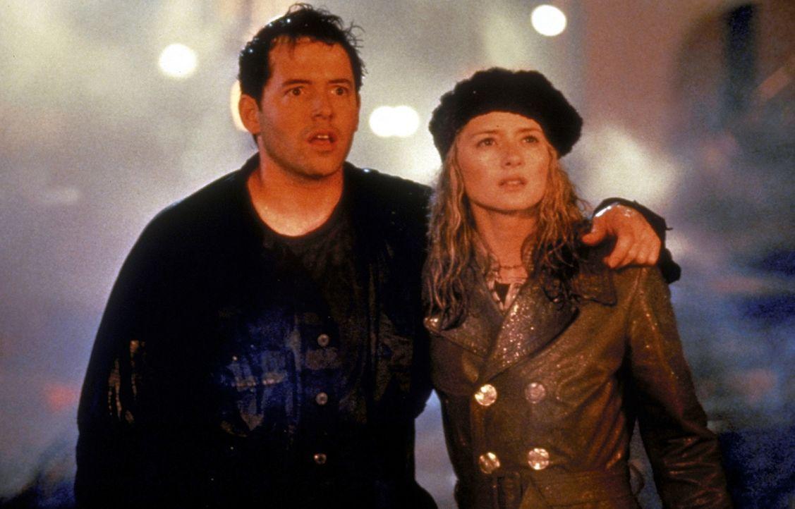 Müssen Godzilla unschädlich machen: Niko (Matthew Broderick, l.) und Audrey (Maria Pitillo, r.) ... - Bildquelle: 1998 TriStar Pictures, Inc. All Rights Reserved.