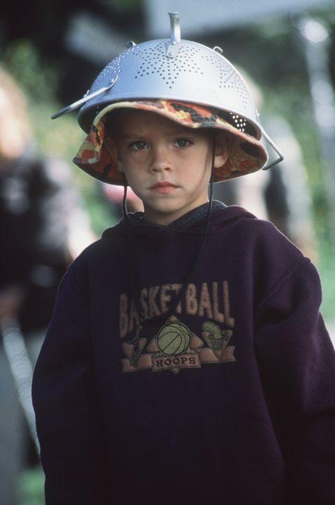 Eines Tages steht der 5-jährige Julian (Dylan Sprouse/Cole Sprouse) vor der Wohnungstür seines Vaters. Doch dieser ist auf einer langen Geschäfts... - Bildquelle: Columbia TriStar