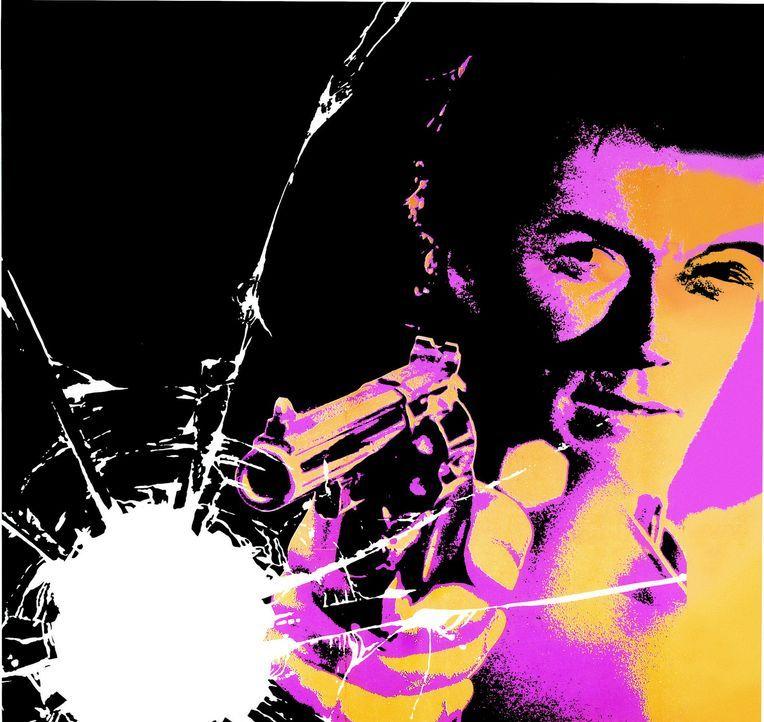 Polizist Harry Callahan (Clint Eastwood) arbeitet meist außerhalb der Legalität und bekämpft Verbrecher mit seinen eigenen Waffen. - Bildquelle: Warner Bros.
