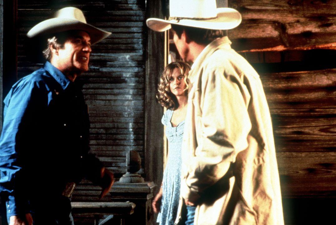 Gerade als die Schrecken seiner Jugend vergessen scheinen und Arlis (Dennis Quaid, r.) zusammen mit Kay (Meg Ryan, M.) scheinbar sein Glück gefunden... - Bildquelle: Paramount Pictures
