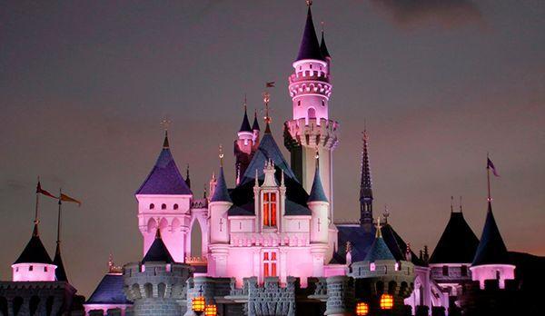 Disneyland - Bildquelle: dpa
