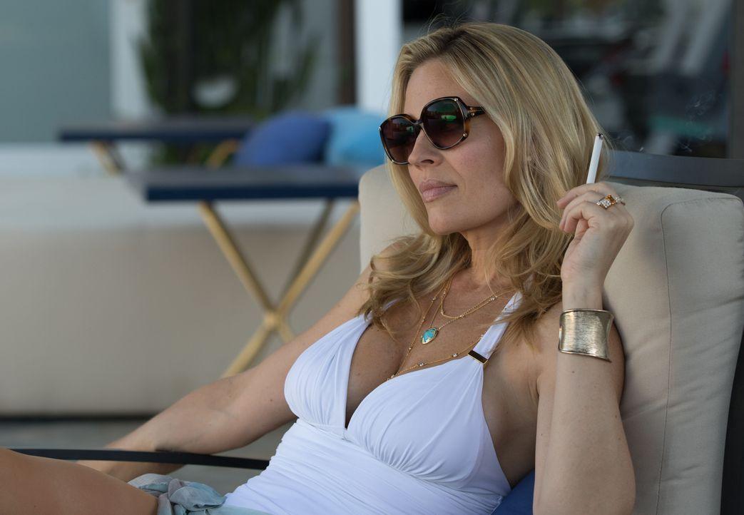 Veronica Allen (Jeri Ryan) - Bildquelle: Amazon.com, Inc. and Fabrik Entertainment, Inc.