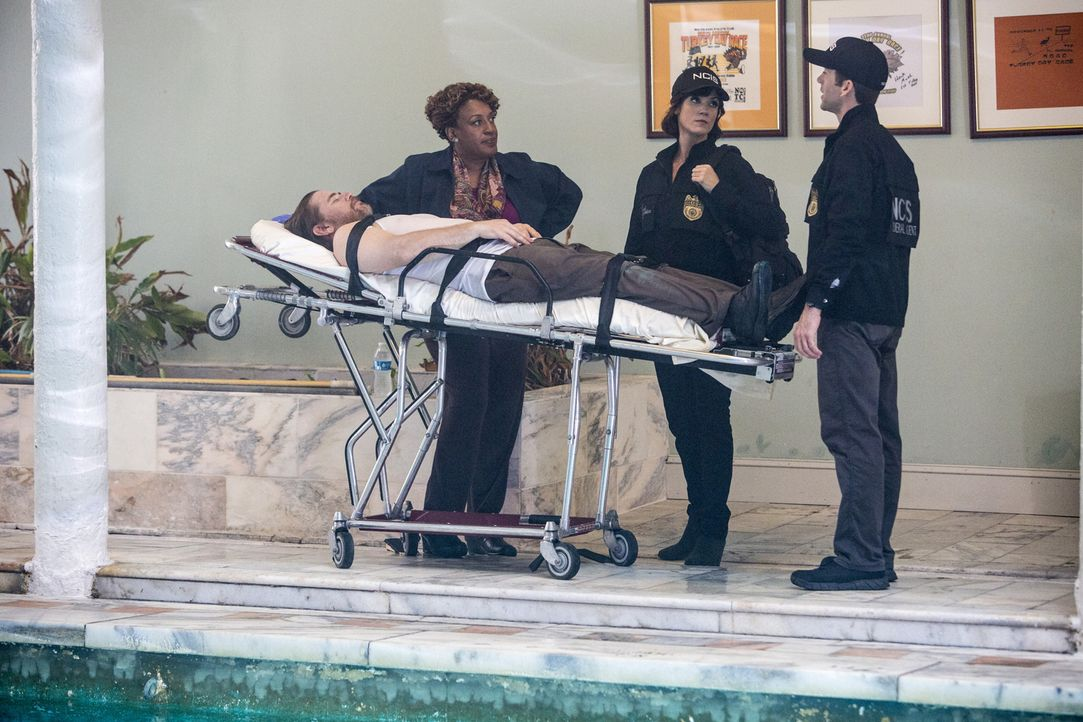 Als ein weiterer Toter gefunden wird, beginnt für Wade (CCH Pounder, l.), LaSalle (Lucas Black, r.) und Brody (Zoe McLellan, M.) ein Wettlauf mit de... - Bildquelle: Skip Bolen 2015 CBS Broadcasting, Inc. All Rights Reserved