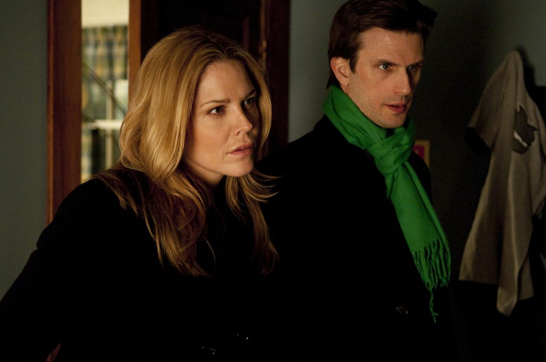Mary Shannon (Mary McCormack, l.); Marshall Mann (Frederick Weller, r.) - Bildquelle: Colleen Hayes USA Network / Colleen Hayes