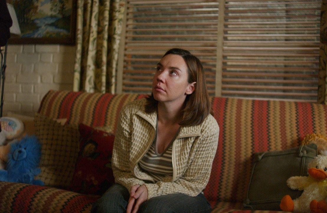 Als Teenagerin wurde Lynette Shaw (Stephanie Courtney) von ihrer Mutter unterdrückt und wegen ihres Aussehens gehänselt ... - Bildquelle: Warner Bros. Entertainment Inc.