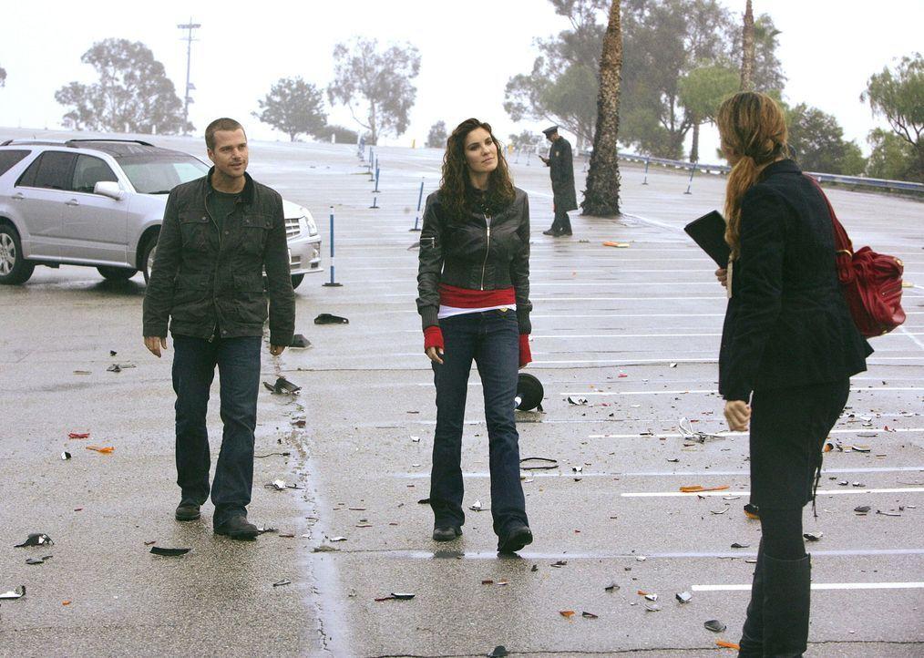 Bei einem illegalen Straßenrennen explodiert einer der Wagen und der Fahrer kommt ums Leben. Callen (Chris O'Donnell, l.) und Kensi (Daniela Ruah, M... - Bildquelle: CBS Studios Inc. All Rights Reserved.