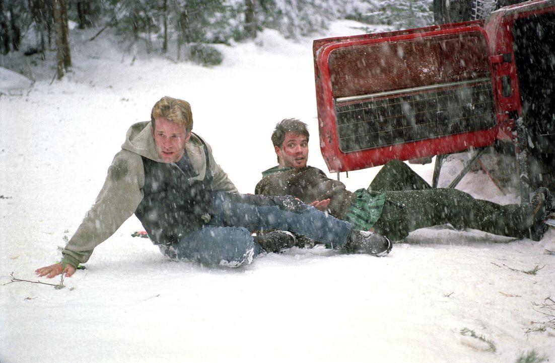 Pete (Timothy Olyphant, l.) und Henry (Thomas Jane, r.) müssen all ihre Kräfte mobilisieren, um dem Grauen den Kampf anzusagen ... - Bildquelle: Warner Bros.
