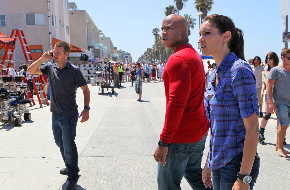 Ein neuer Fall beschäftigt Callen (Chris O'Donnell, l.), Sam (LL Cool J, M.) und Kensi (Daniela Ruah, r.) ... - Bildquelle: CBS Studios Inc. All Rights Reserved.