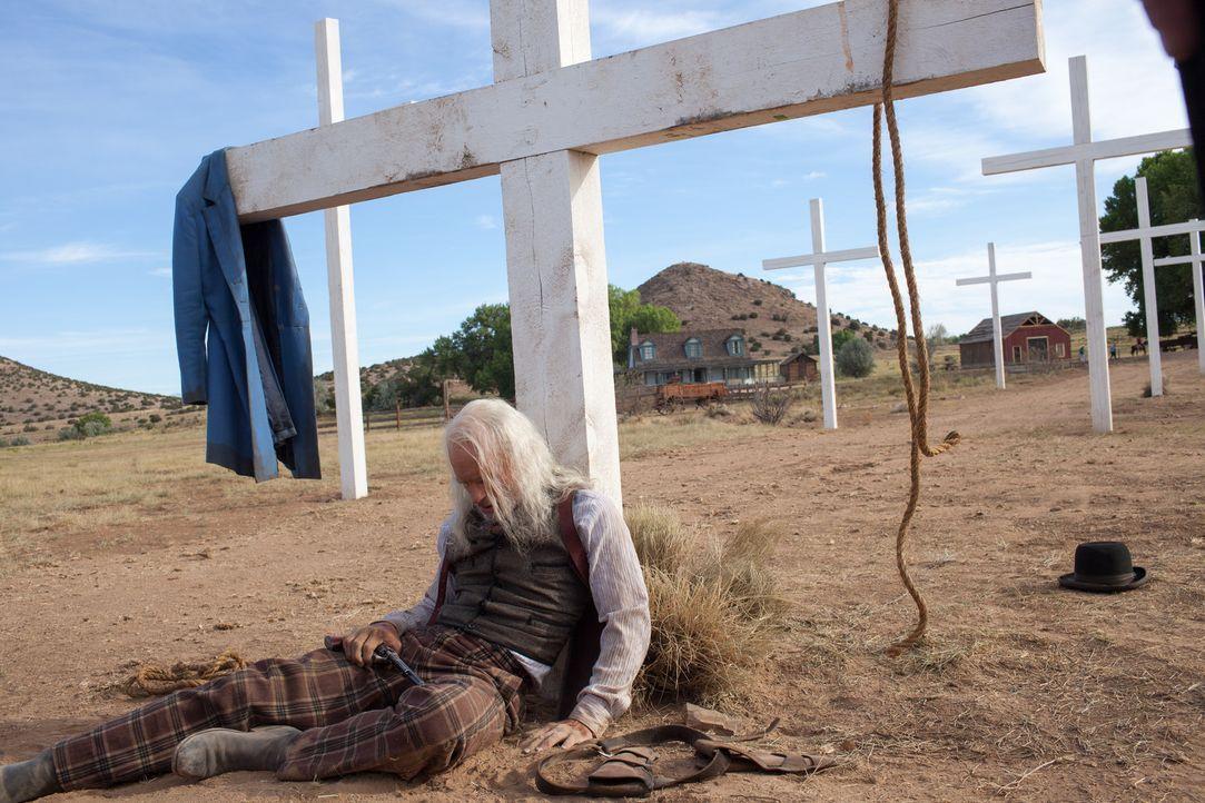 Gegen die Brutalität und den Sadismus des Predigers Josiah kommt selbst der hartgesottene Sheriff Jackson (Ed Harris) nicht an. So scheint es jedenf... - Bildquelle: Lorey Sebastian 2012 ARC Entertainment LLC