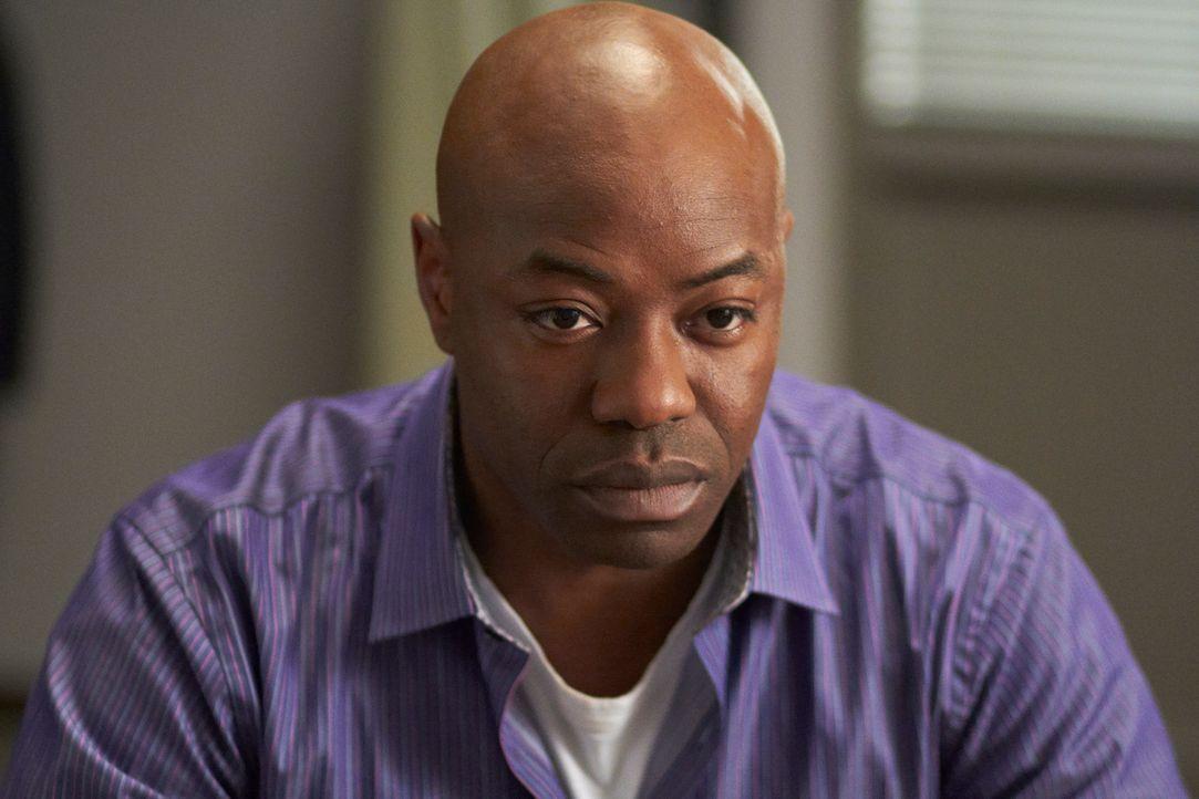 Experte für die Psyche des Menschen - auch für ihre dunklen Abgründe: Leo Beckett (Dayo Ade) gehört zum psychiatrischen Fachpersonal der neu gegründ... - Bildquelle: Stephen Scott CBC 2013
