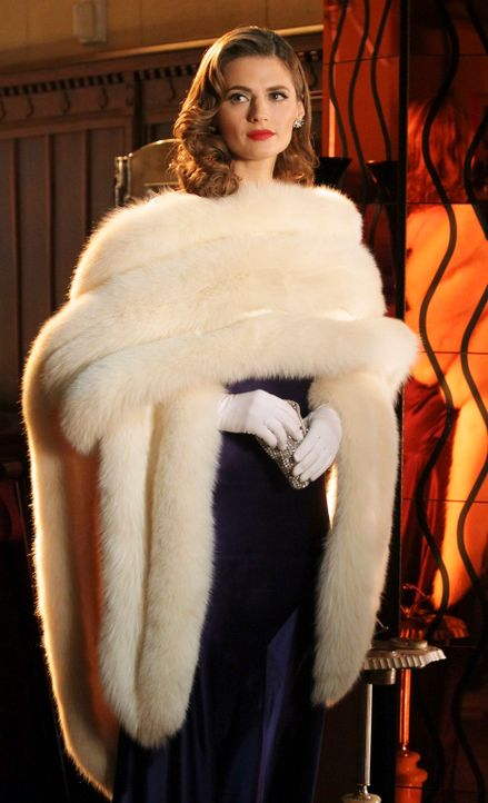 Eine Schöpfung Castles Phantasie: Kate Beckett (Stana Katic) als atemberaubende Femme fatale ... - Bildquelle: 2011 American Broadcasting Companies, Inc. All rights reserved.