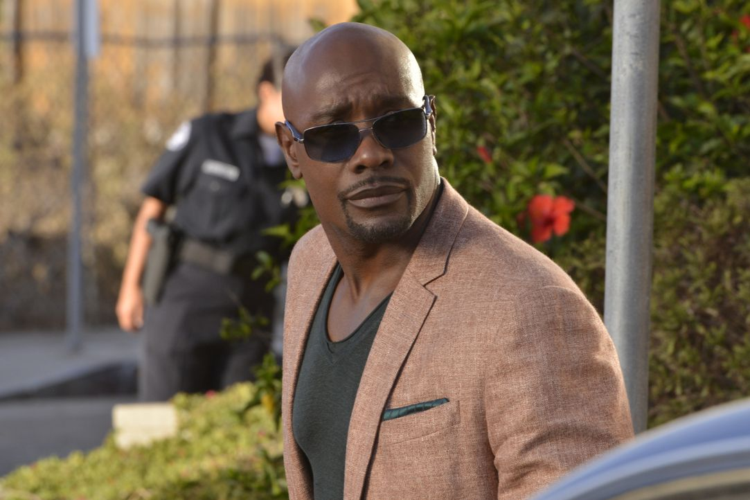 Muss Tawnyas Ex-Mann deutlich machen, dass er niemals zulassen wird, dass seine Freundin bedroht wird: Rosewood (Morris Chestnut) greift zu einem dr... - Bildquelle: 2016-2017 Fox and its related entities. All rights reserved.