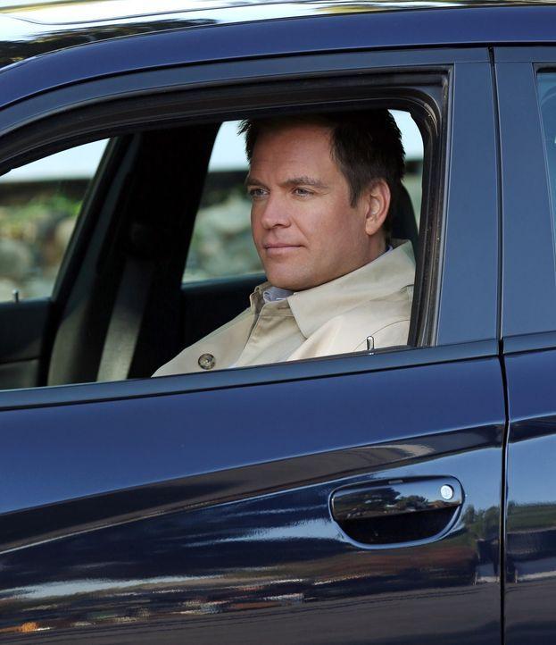 Auf dem Stützpunkt Quantico wird eine Soldatin von einem Pick-up überfahren. Der Fahrer des Wagens flüchtet. DiNozzo (Michael Weatherly) und seine K... - Bildquelle: CBS Television