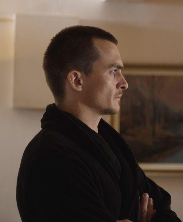 Während Carrie wieder in Islamabad ist, ist Quinn (Rupert Friend) in den USA immer noch mit sich und seinen Emotionen beschäftigt, weil man ihm vorw... - Bildquelle: 2014 Twentieth Century Fox Film Corporation