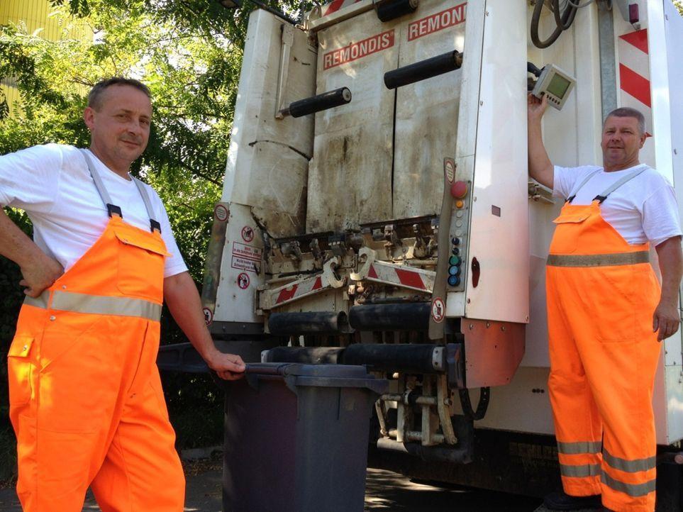 """""""Abenteuer Leben - täglich neu entdecken"""" hat sich auf den Weg gemacht, um zwei extrem unterschiedliche Müllabfuhren miteinander zu vergleichen: D... - Bildquelle: kabel eins"""