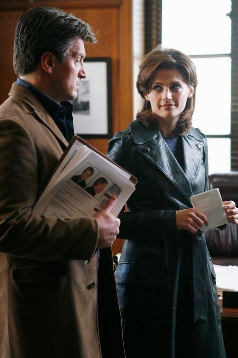 Der ermordete Staatsanwalt Jack Buckley hatte offensichtlich viele Feinde. Castle (Nathan Fillion, l.) und Beckett (Stana Katic, r.) müssen herausfi... - Bildquelle: ABC Studios