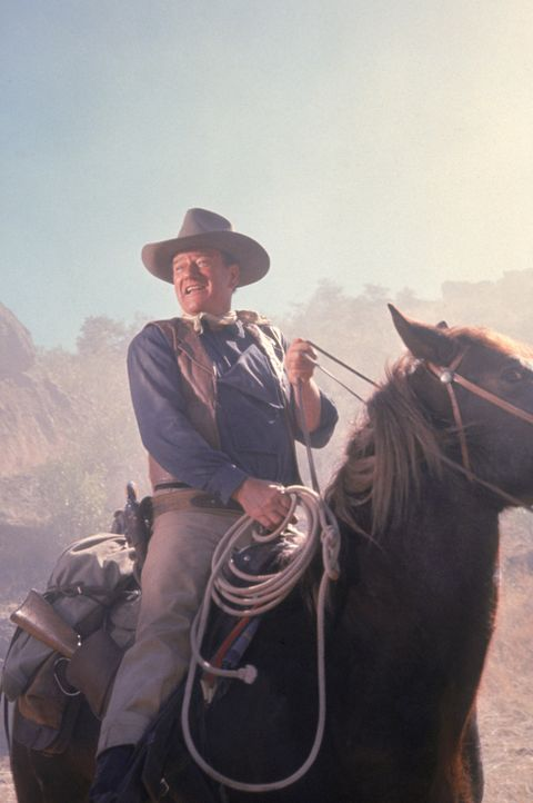 John Elder (John Wayne) will den Familienbesitz zurückholen ... - Bildquelle: TM &   2003 By Paramount Pictures All Rights Reserved