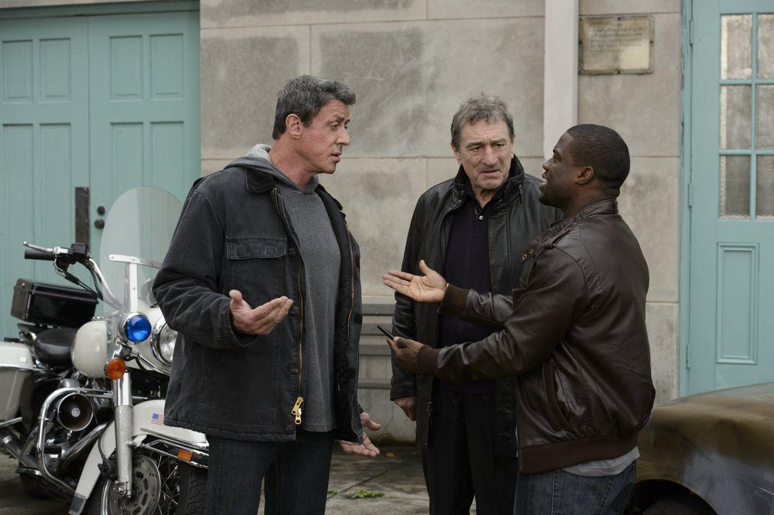 """Weil es vor 30 Jahren nicht mehr zum entscheidenden Kampf zwischen den Boxern Henry """"Razor"""" Sharp (Sylvester Stallone, l.) und Billy """"The Kid"""" McDon... - Bildquelle: 2013 Warner Brothers"""