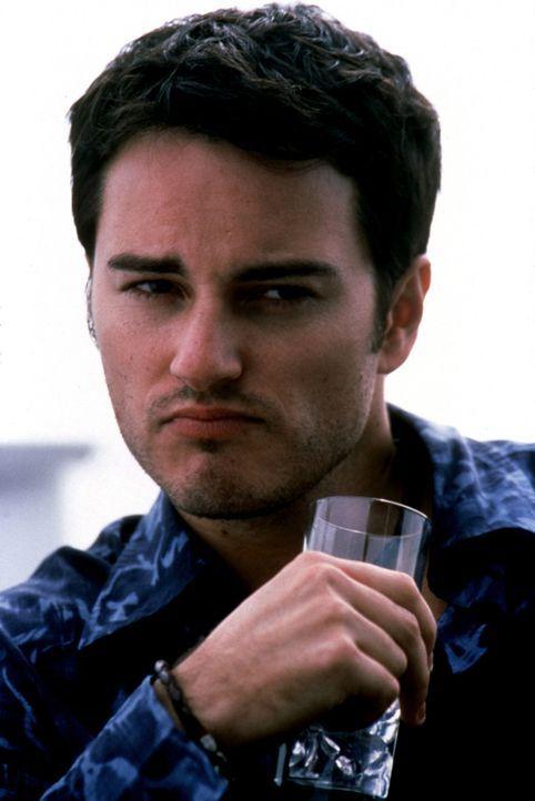 Immer wieder lässt Cassidy Jason (Kerr Smith) abblitzen. Nun sinnt der abgebrühte junge Mann auf Rache ... - Bildquelle: Copyright    2004 Cruel III Productions, LLC. All Rights Reserved.