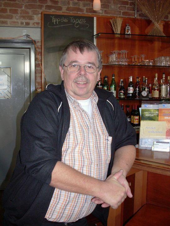 """Rainer hat all seine Ersparnisse in das Restaurant """"Navigare"""" im Duisburger Hafengelände gesteckt. Leider läuft es alles andere als rosig ... - Bildquelle: kabel eins"""