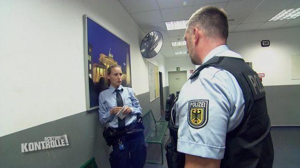 Achtung Kontrolle - Achtung Kontrolle! - Thema U.a: Tumulte Am Bahngleis - Bundespolizei Berlin