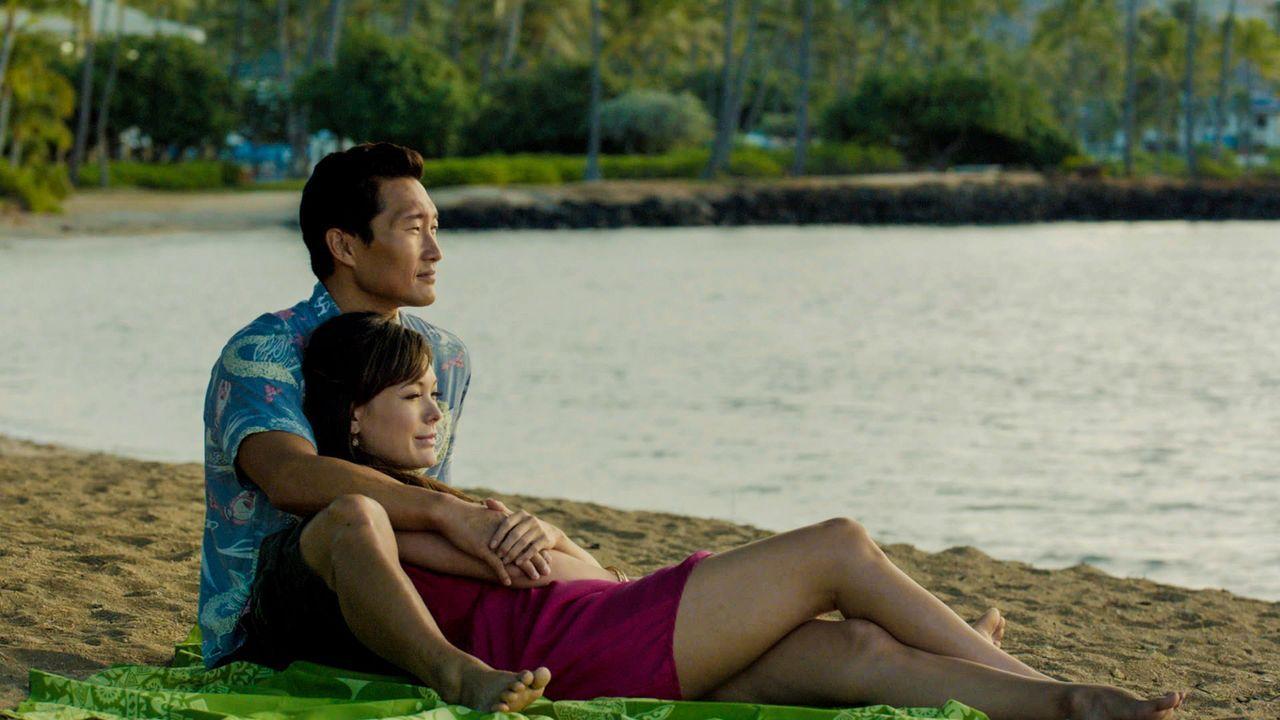 Ein Serienmörder hält Chin (Daniel Dae Kim, oben) gefangen und unterzieht ihn schlimmer Foltermethoden. Wird Leilani (Lindsay Price, unten) ihn jema... - Bildquelle: 2013 CBS BROADCASTING INC. All Rights Reserved.