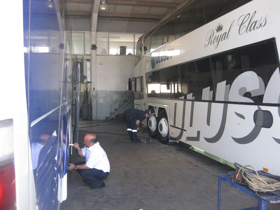 Zwei Mal pro Woche macht sich in Frankfurt ein Linienbus auf die Reise. Endstation ist der Busbahnhof in Istanbul! Nach fast 2000 Kilometern und 52... - Bildquelle: kabel eins